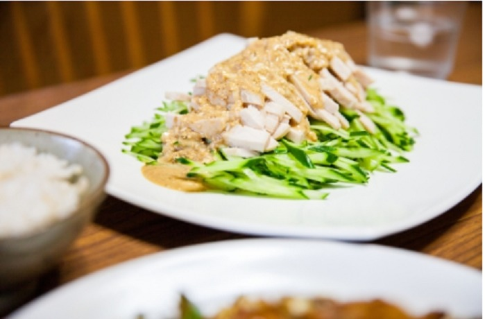 アジアンチキンライスとバンバンジー風サラダ