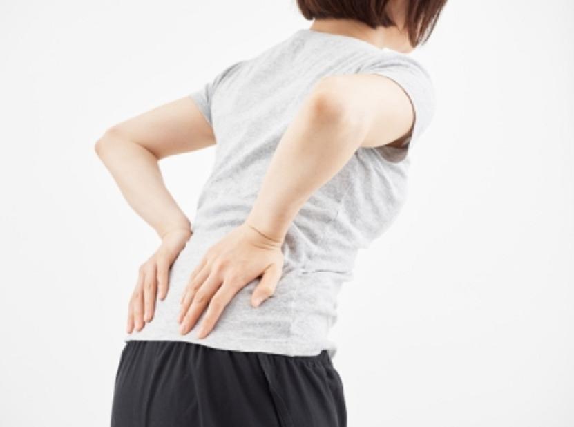 背骨の歪みを改善する方法