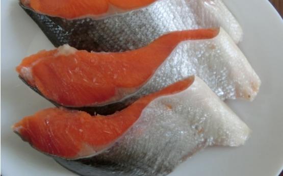 白内障に効果的な紅鮭
