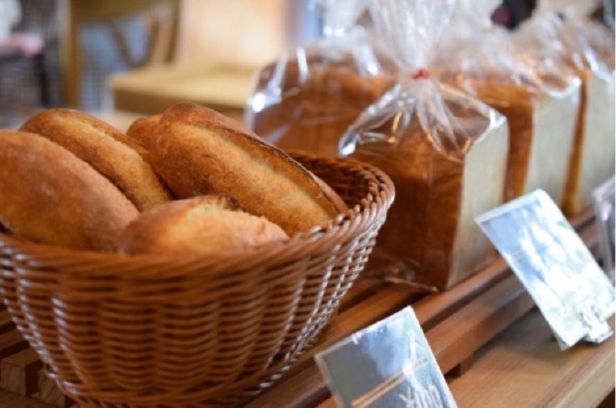 ヒルナンデスのパン屋