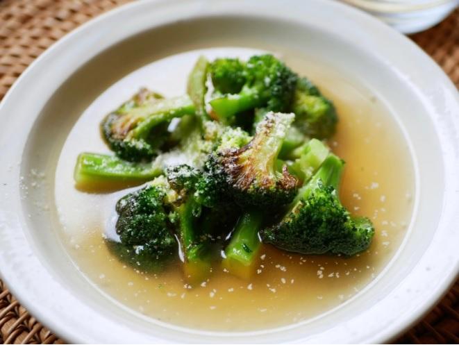 焼きブロッコリーのスープ