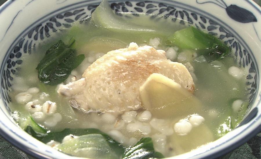 はと麦と手羽と青菜のスープ