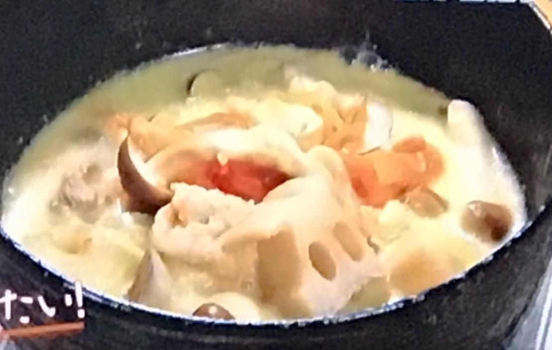 豚肉とレンコンの豆乳みそスープ