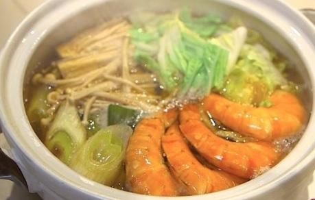 白菜とエビの旨味たっぷり寄せ鍋