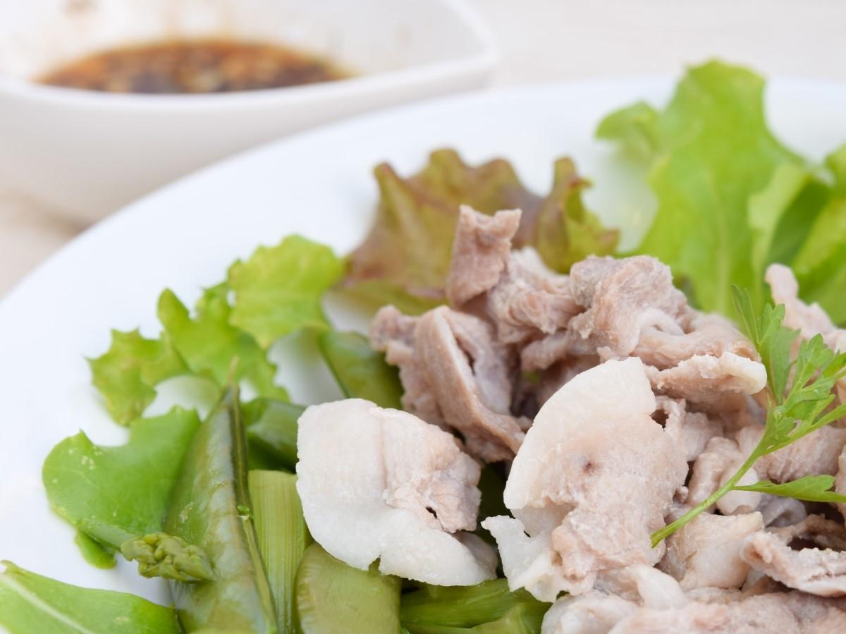 ごごナマの平野レミの春菊と豚の柿ざんまいサラダ