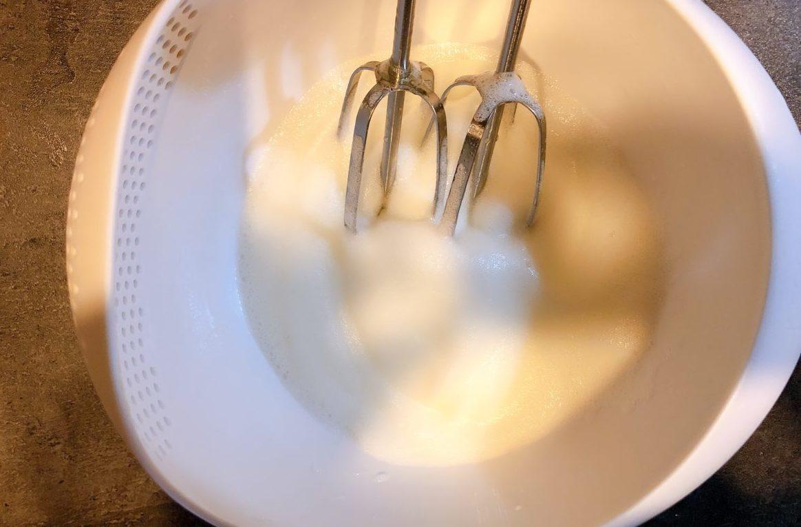マカロン風メレンゲクッキーの作り方(工程1)