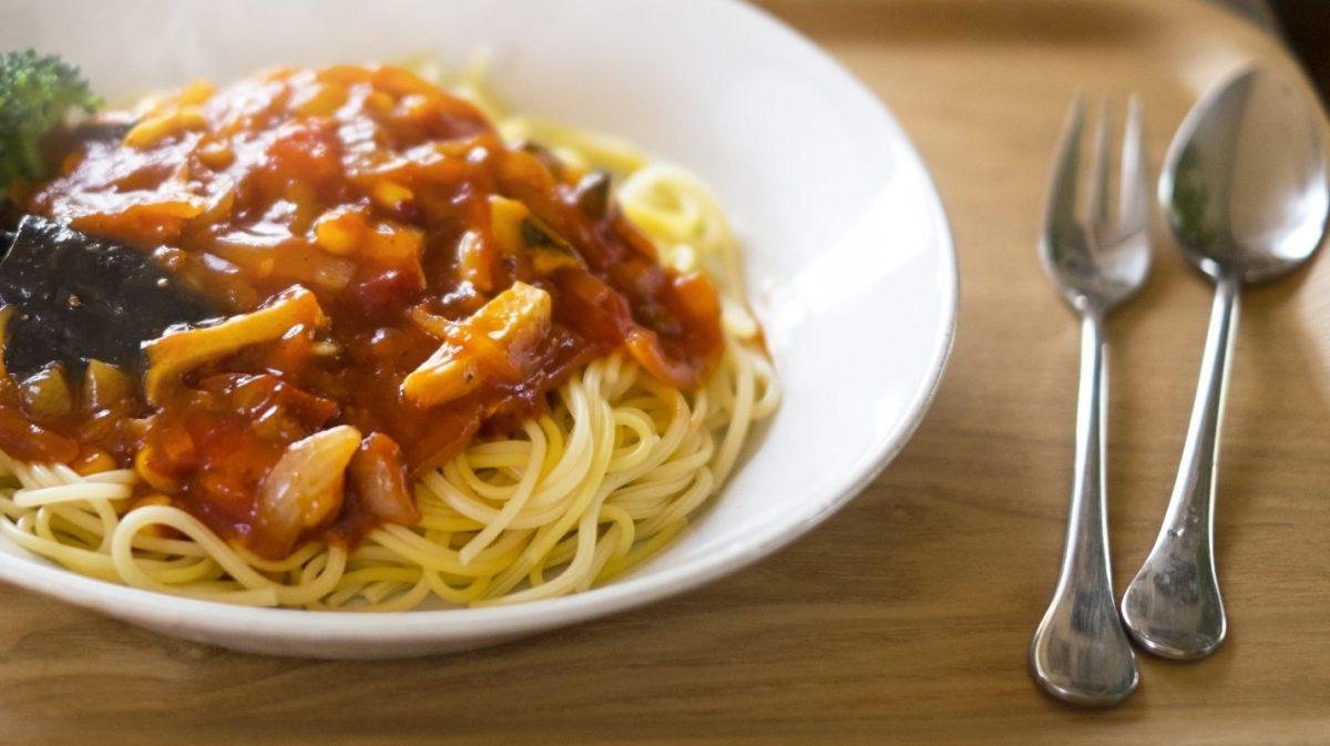 にじいろジーンの牡蠣のミートソースパスタのレシピ