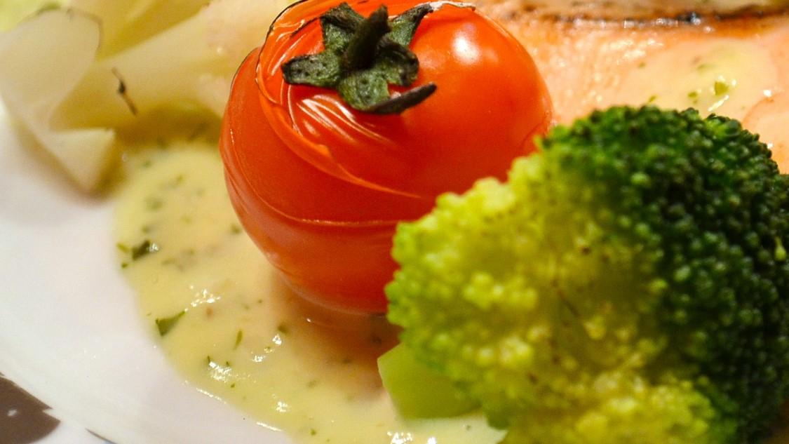 にじいろジーンの焼きブロッコリーのみかんソース添えレシピ