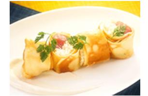 マグロのクレープ巻き寿司