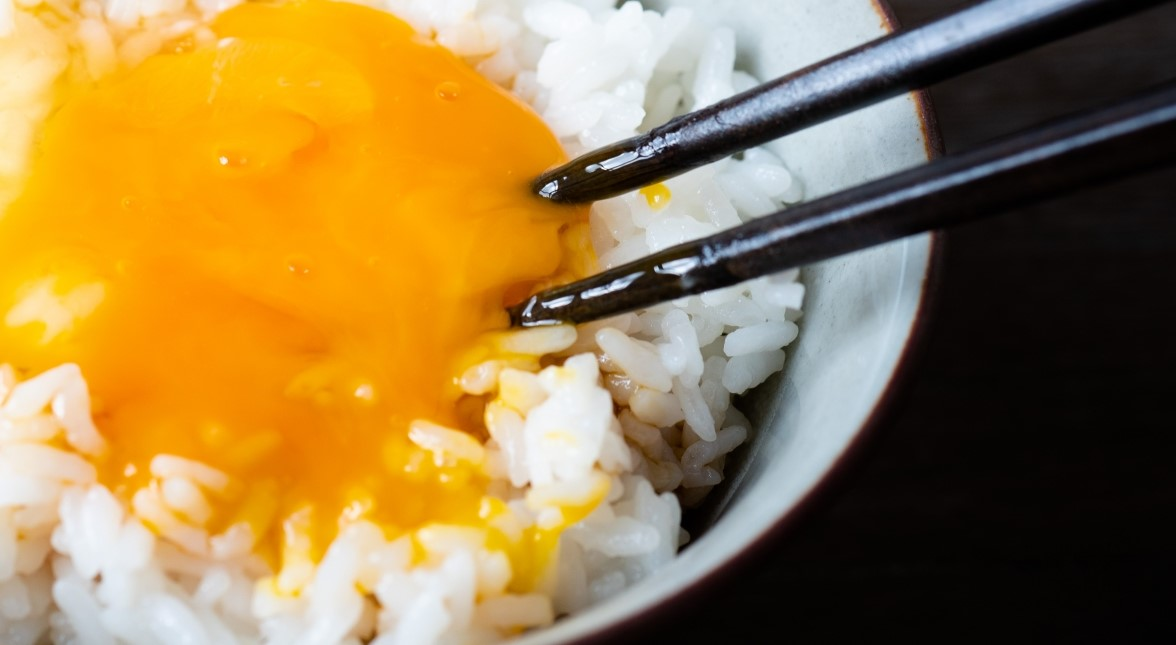 家事ヤロウのカルディ調味料のエスニックTKG(卵かけご飯)レシピ
