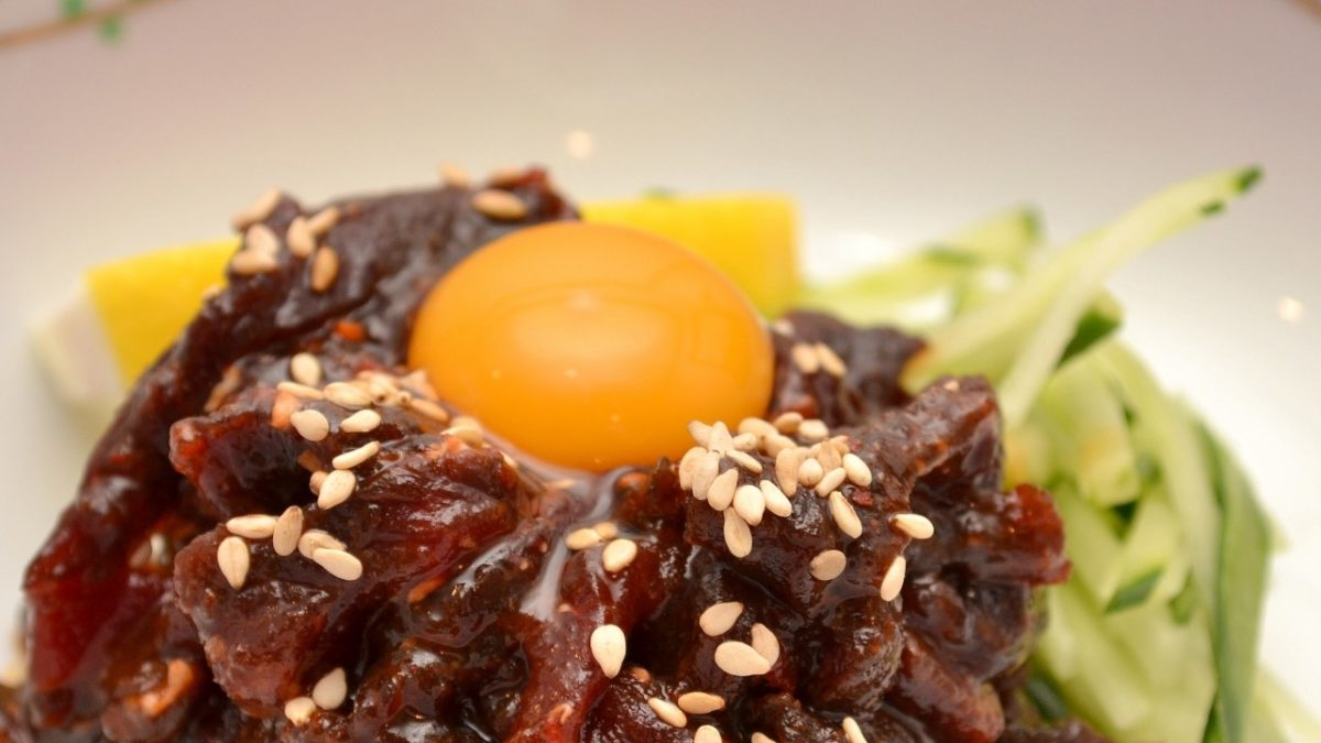 沸騰ワードの志麻さんの牛肉タルタル風ステーキレシピ