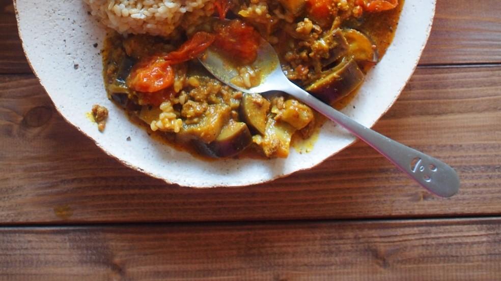 家事ヤロウの鈴木亜美のひき肉のだしカレー煮込みレシピ