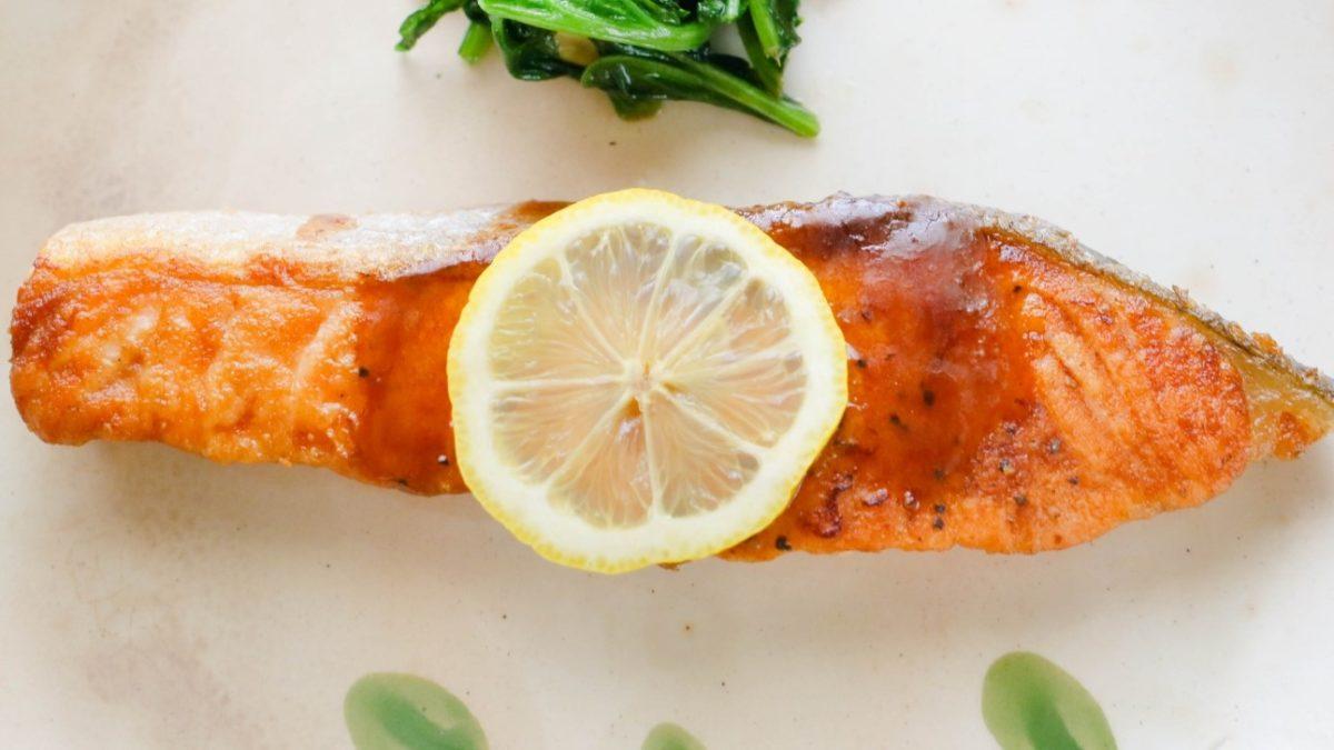 メレンゲの気持ちの下味冷凍で鮭のレモンバター醤油レシピ