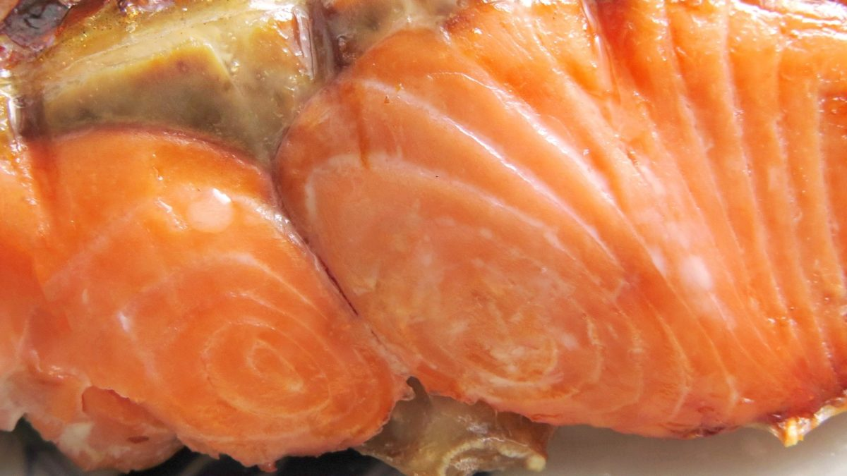 【ヒルナンデス】鮭のクッキングシート焼き