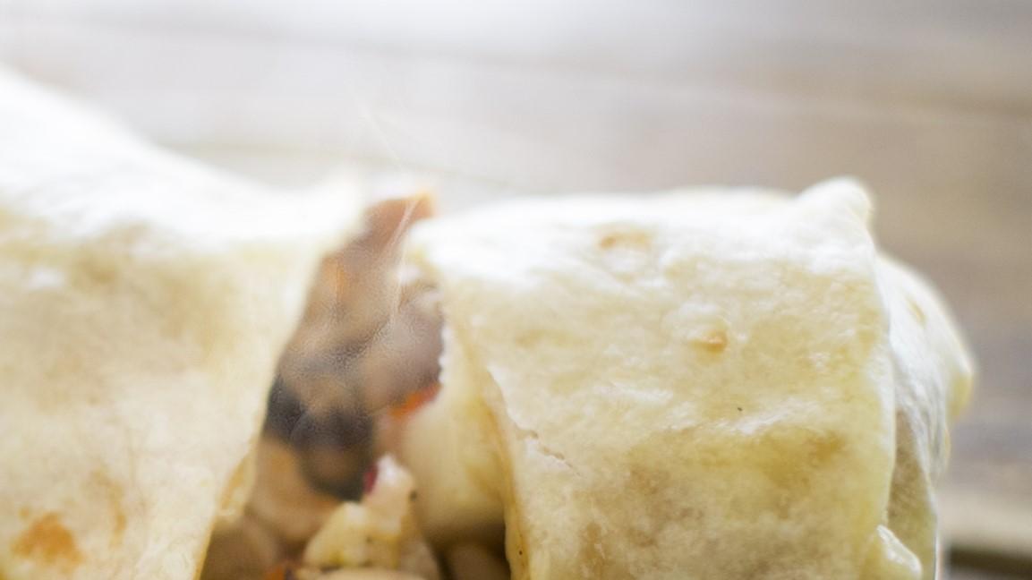 ソクラテスのため息のチーズ入りブリトー