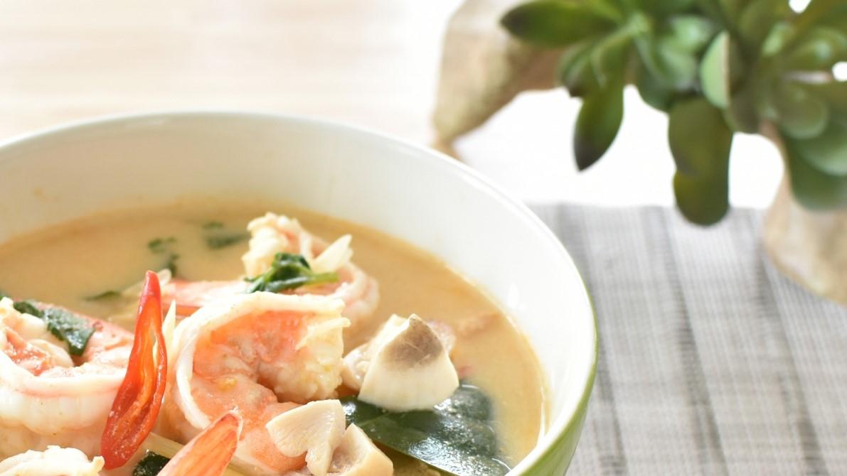 あさイチの骨つき鶏もも肉とえびの豆乳スープレシピ
