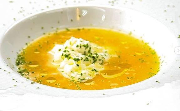 モッツアレラチーズの洋風味噌汁