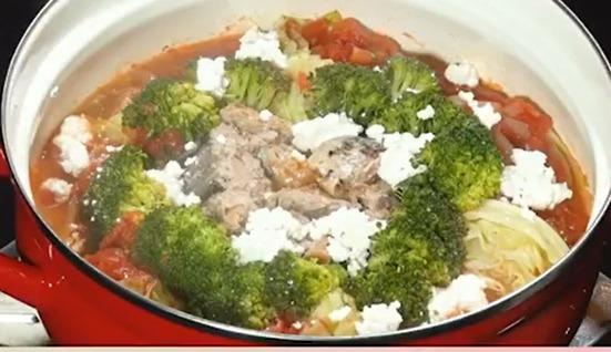 サバ缶とトマト缶のヘルシー鍋レシピ